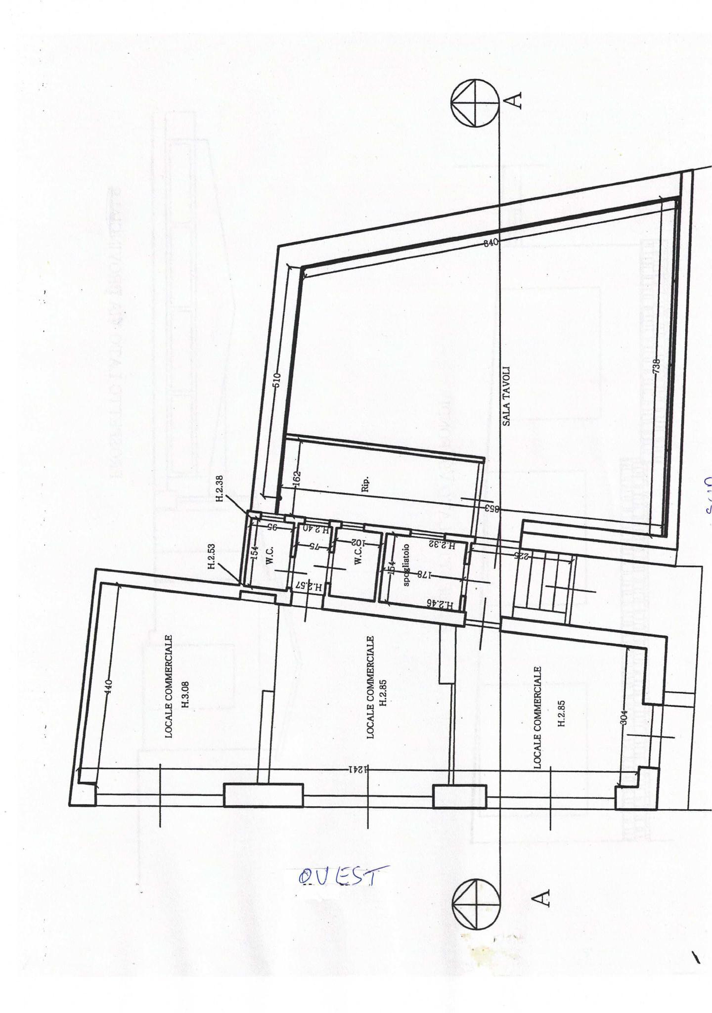 Locale comm.le/Fondo in vendita - Camaiore