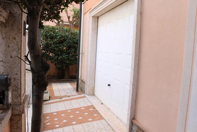 Foto 39/42 per rif. ale -villa liberty
