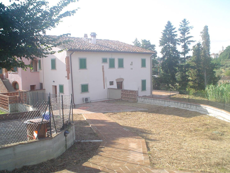 Porzione di casa in affitto a Vinci (FI)