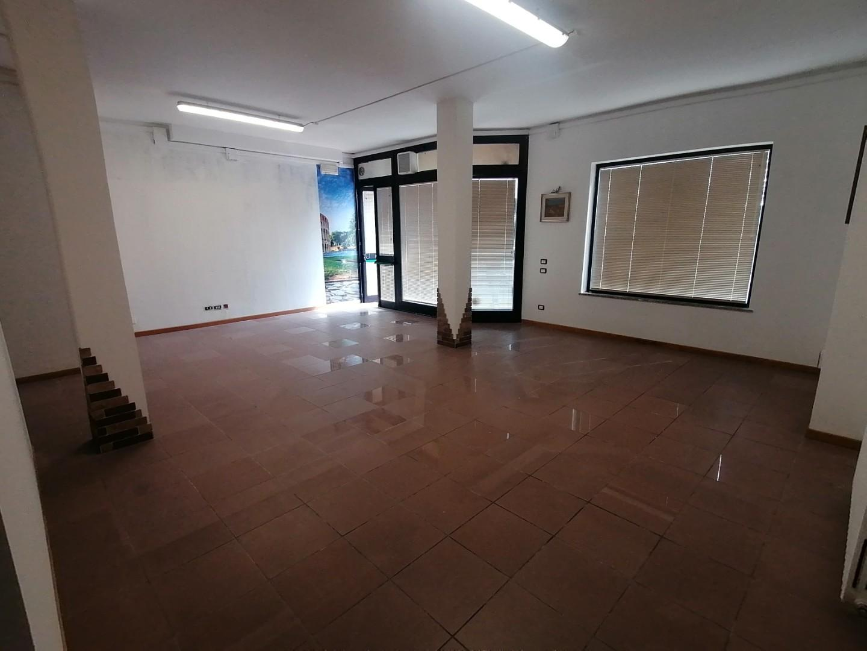 Locale comm.le/Fondo in vendita a Antraccoli, Lucca