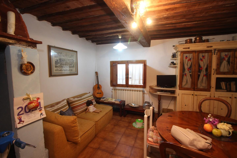 Appartamento in vendita a Costalpino, Siena