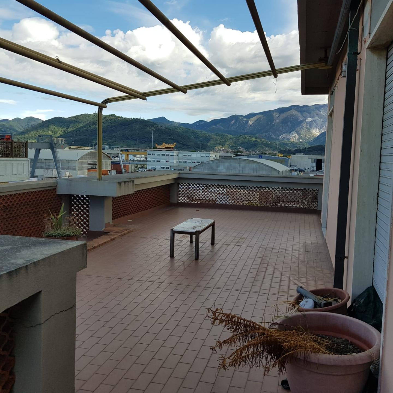 Attico / Mansarda in vendita a Carrara, 5 locali, prezzo € 160.000   PortaleAgenzieImmobiliari.it
