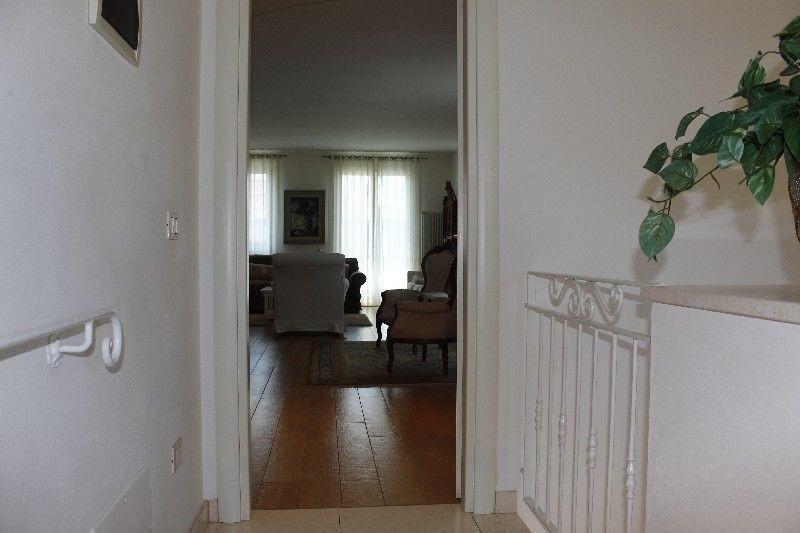 Casa semindipendente in vendita, rif. V1335