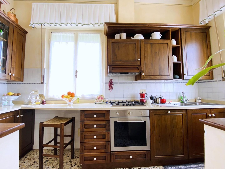 Casa semindipendente in vendita - Vado, Camaiore
