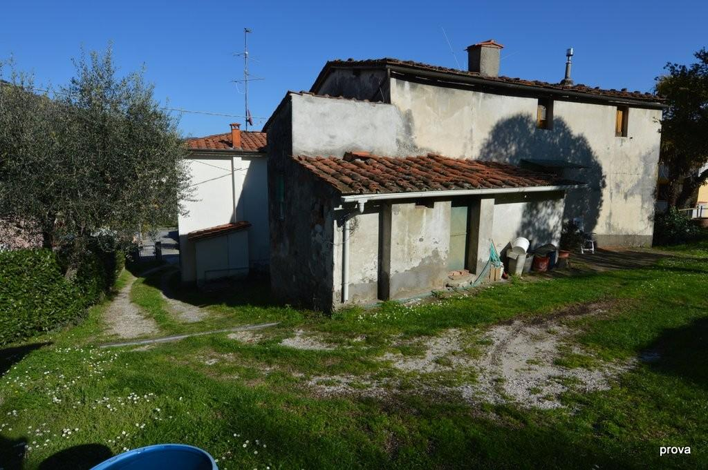 Colonica in vendita a Pescia (PT)