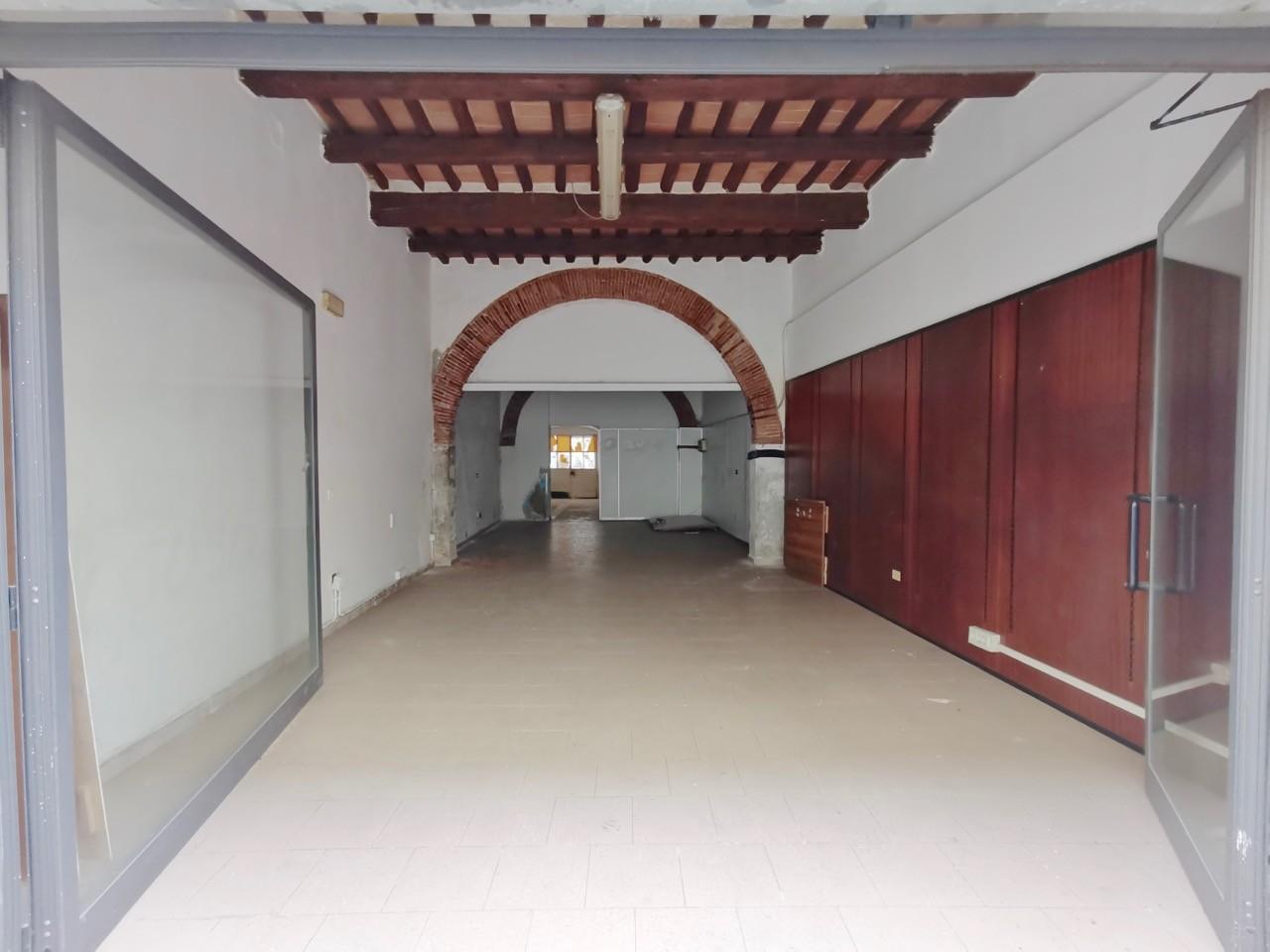 Fondo commerciale in 2 a Sant'antonio, Pisa (PI)