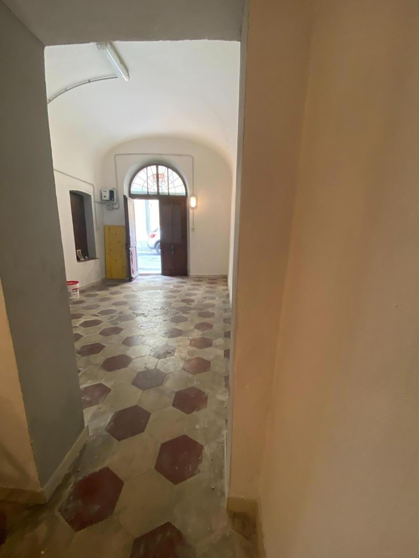 Magazzino in vendita a Pisa
