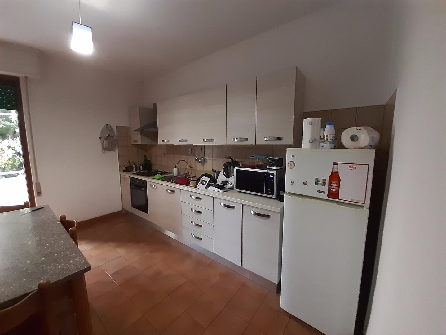 Stanza/Posto Letto in affitto, rif. a39/387