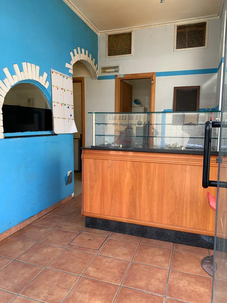 Locale comm.le/Fondo in vendita - Centro, Viareggio