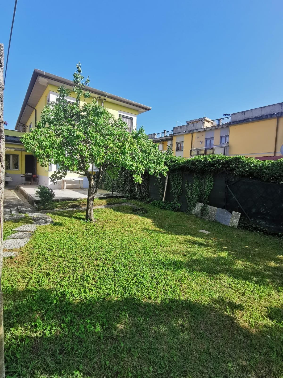 Casa singola in affitto vacanze a Carrara (MS)