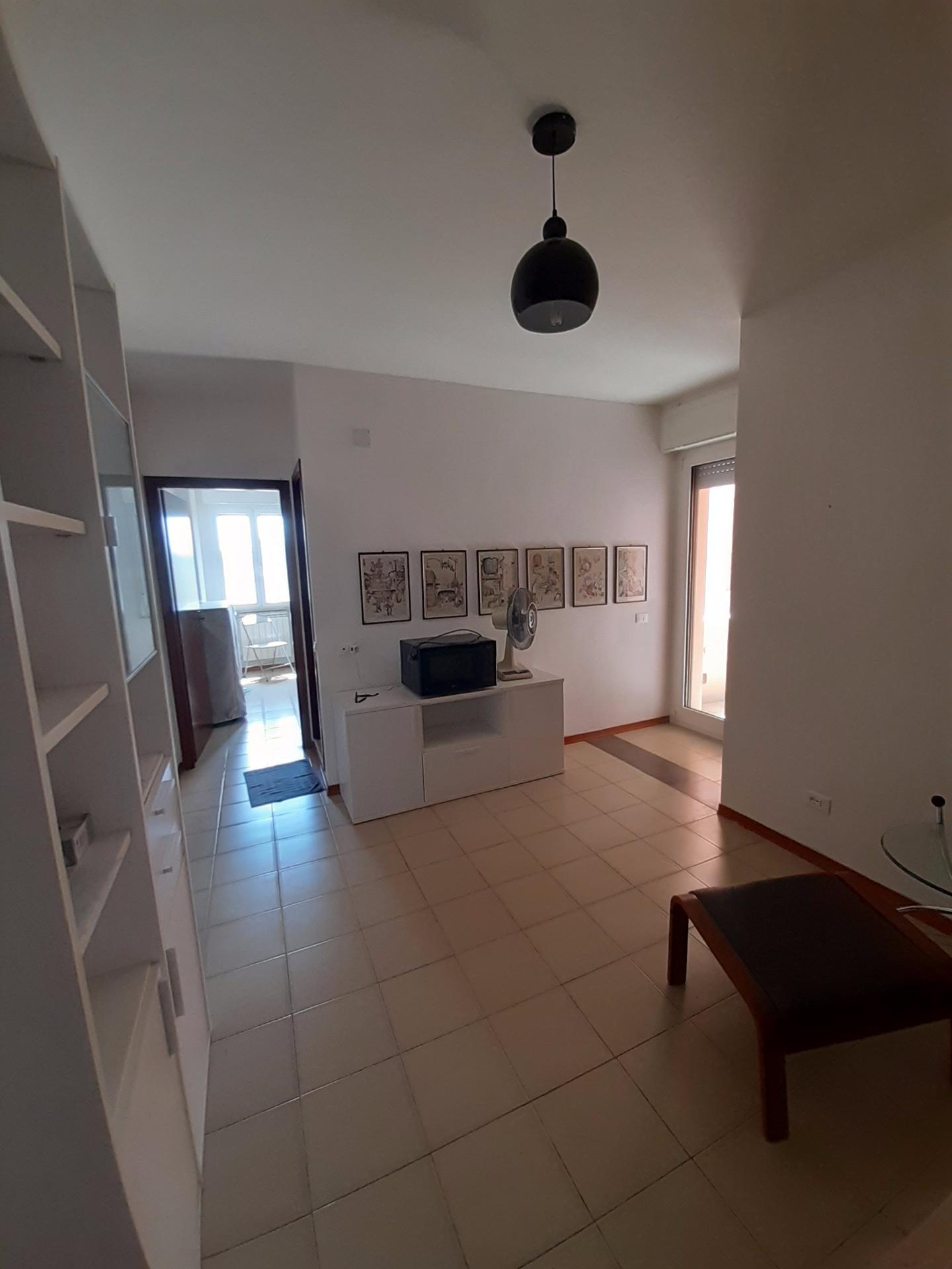 Appartamento in affitto, rif. a39/389