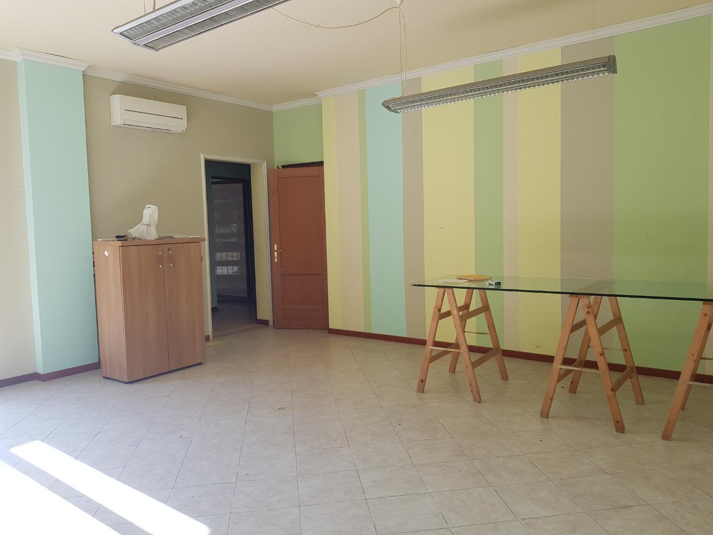 Capannone in vendita a Calci, 6 locali, prezzo € 350.000   PortaleAgenzieImmobiliari.it