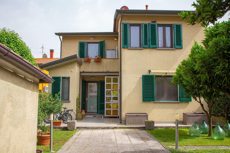 Villa in vendita a Vecchiano, 5 locali, prezzo € 239.000 | PortaleAgenzieImmobiliari.it