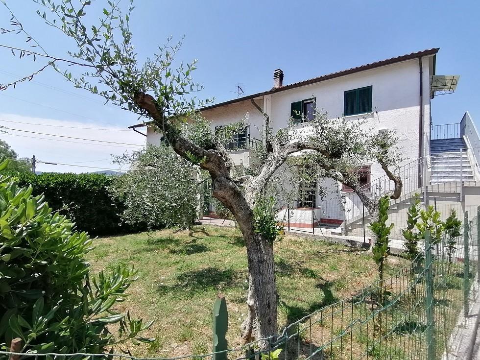Casa singola in vendita a Castelnuovo Magra (SP)