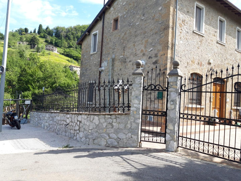 Casale in vendita a Castelnuovo di Garfagnana (LU)