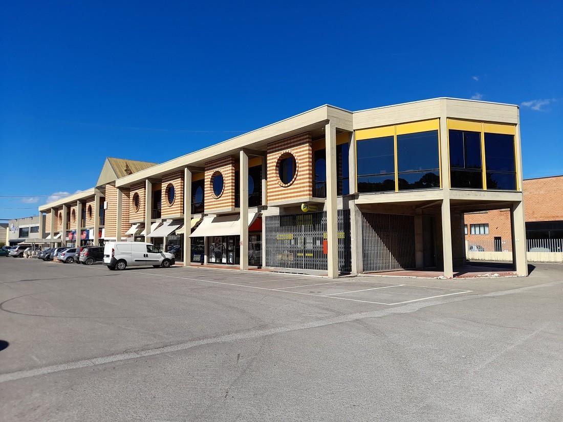 Negozio in vendita a Casciana Terme Lari (PI)