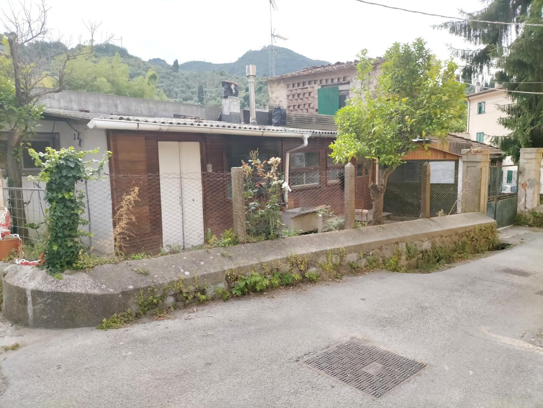 Casa semindipendente in vendita a Massarosa (LU)