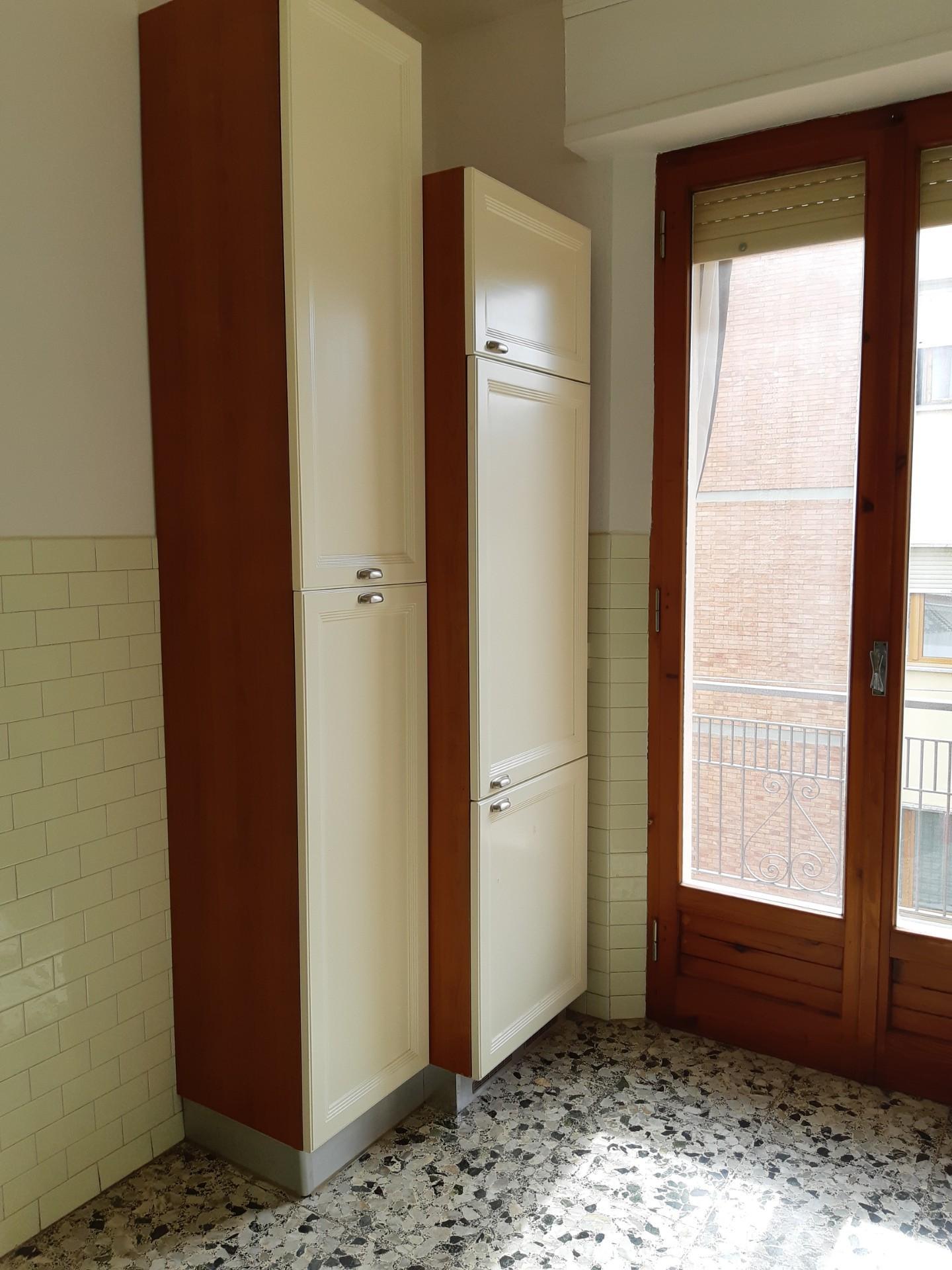 Appartamento in affitto, rif. R/652