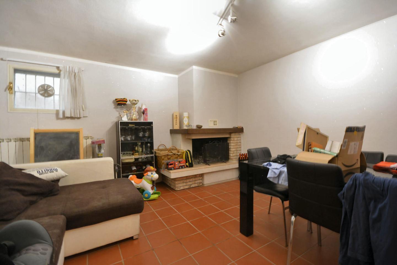 Villetta a schiera angolare in vendita, rif. 02510