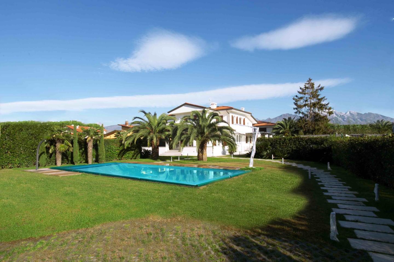 Villa singola in affitto vacanze a Forte dei Marmi (LU)