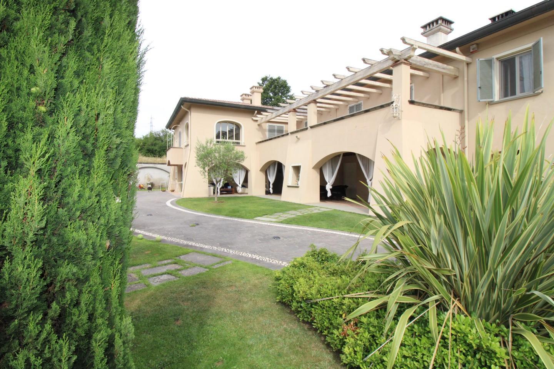 Stabile/Palazzo in vendita a Selvatelle, Terricciola (PI)