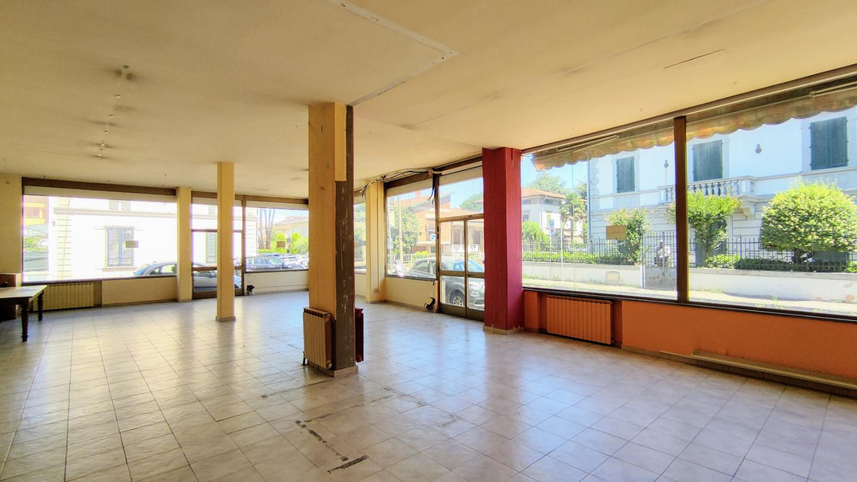 Locale comm.le/Fondo in affitto commerciale a Santa Croce sull'Arno (PI)