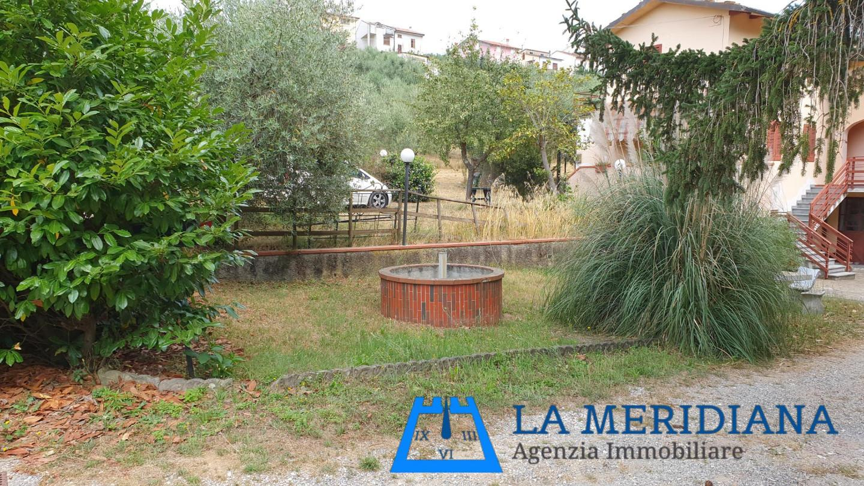 Casale in vendita - Lamporecchio