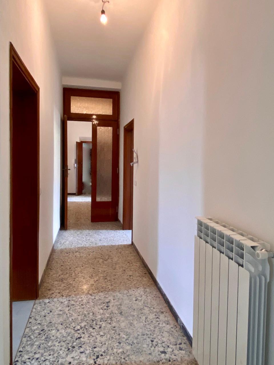 Appartamento in affitto, rif. X292 a
