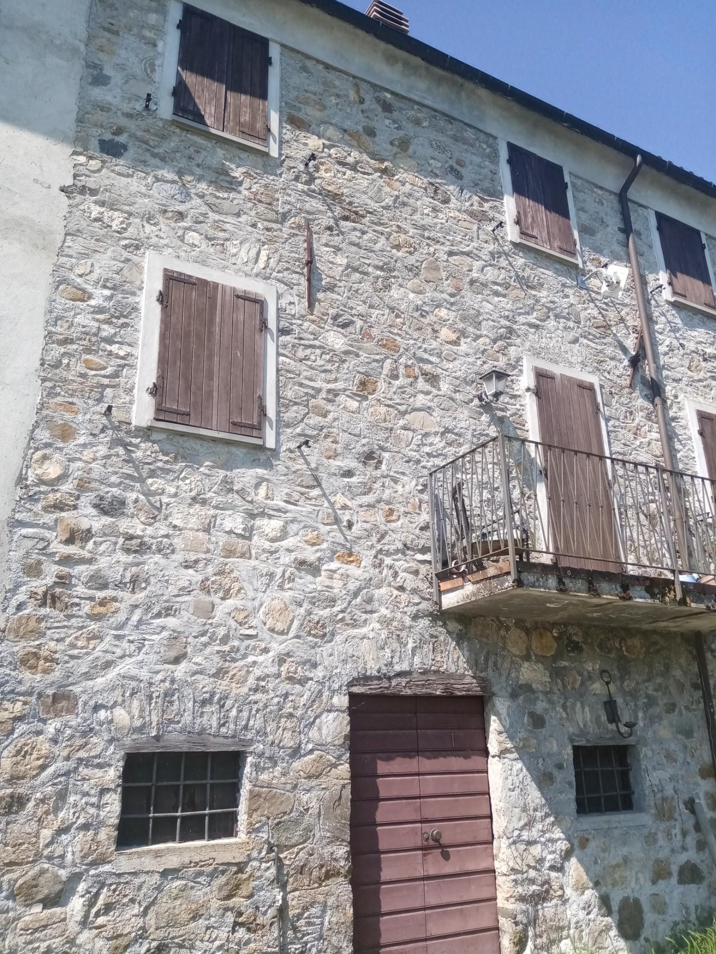 Casa semindipendente in vendita a Tresana (MS)