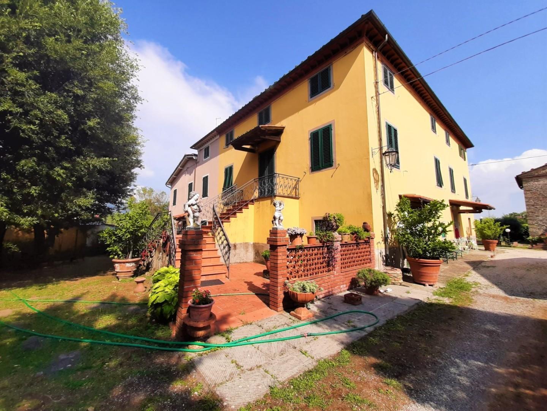 Casa semindipendente in vendita a Pescia (PT)