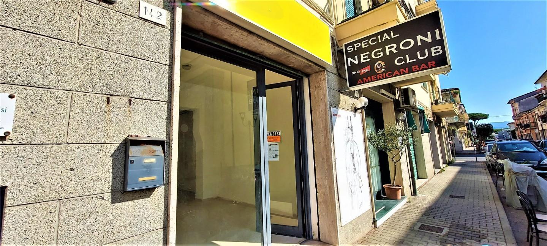 Locale comm.le/Fondo in vendita a Viareggio (LU)