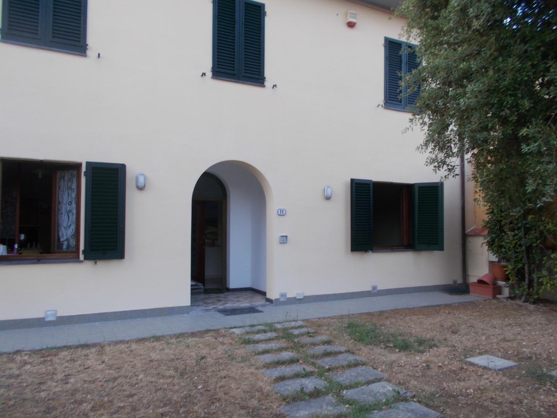 Appartamento in affitto a Ponsacco, 4 locali, prezzo € 650 | CambioCasa.it