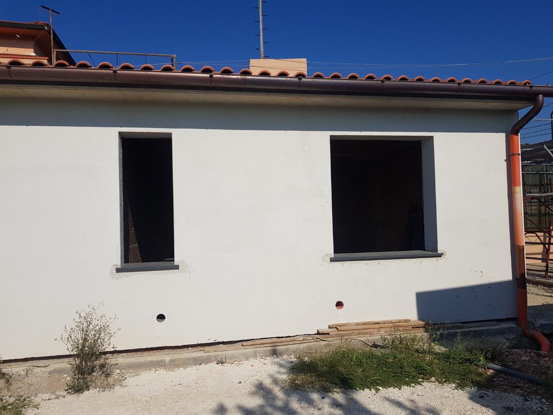 Casa semindipendente in vendita, rif. 2170