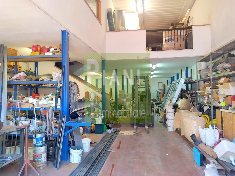 Capannone industriale in vendita a Livorno