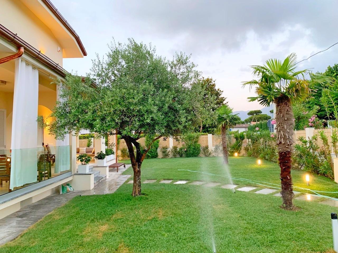 Semi-detached house for holiday rentals in Forte dei Marmi (LU)