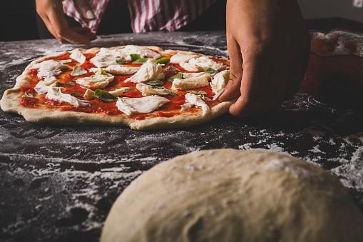 Pizzeria in vendita a Pietrasanta (LU)
