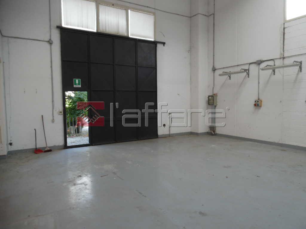 Capannone artigianale in affitto commerciale a Gello, Pontedera (PI)