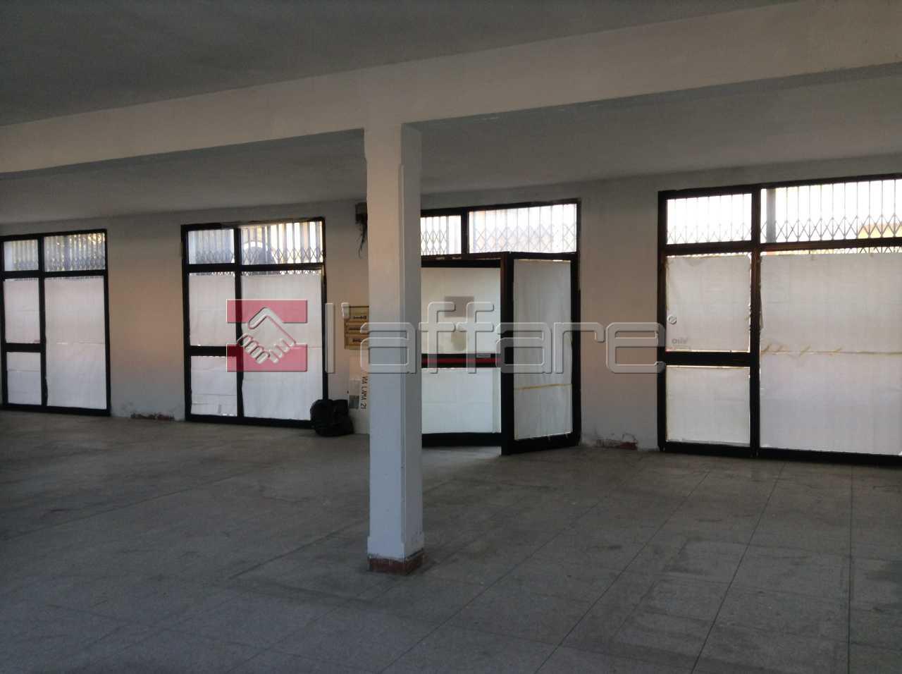 Locale comm.le/Fondo in affitto a Pontedera (PI)
