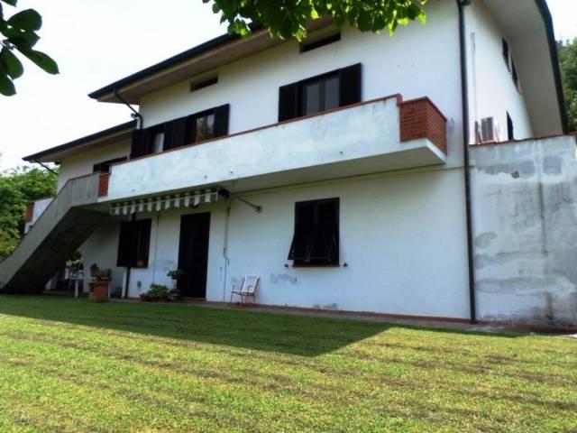 Appartamento in vendita a Porcari, 9999 locali, prezzo € 450.000 | CambioCasa.it
