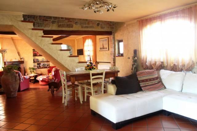 Villa in vendita a Altopascio, 9999 locali, prezzo € 1.000.000 | CambioCasa.it