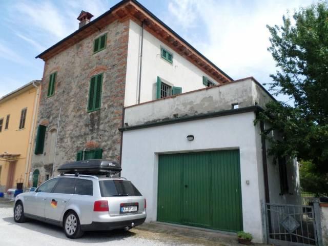 Soluzione Indipendente in vendita a Altopascio, 3 locali, prezzo € 200.000   CambioCasa.it