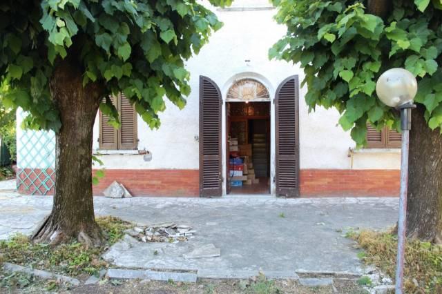 Soluzione Indipendente in vendita a Altopascio, 9999 locali, prezzo € 150.000   CambioCasa.it
