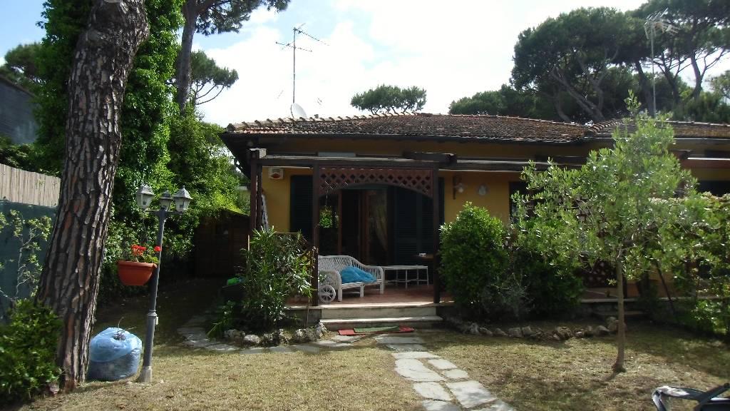 Villa a Schiera in Vendita a Forte dei Marmi