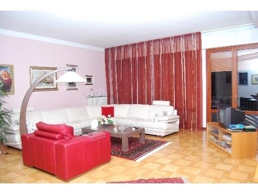 Villa in vendita a San Miniato, 10 locali, prezzo € 580.000 | Cambio Casa.it
