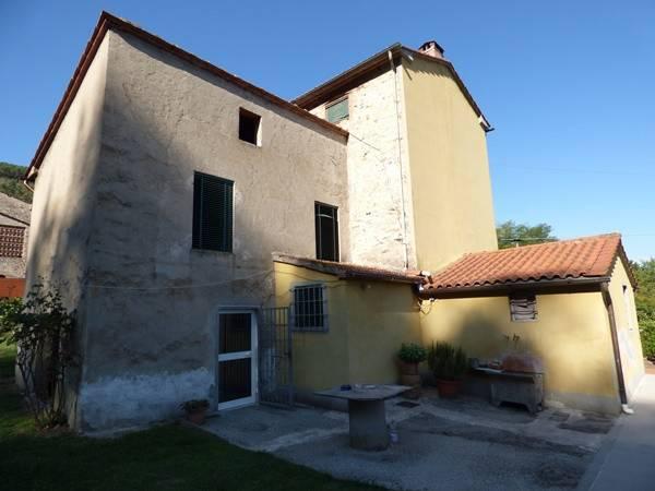 Rustico/Corte in vendita a Castelvecchio, Capannori (LU)