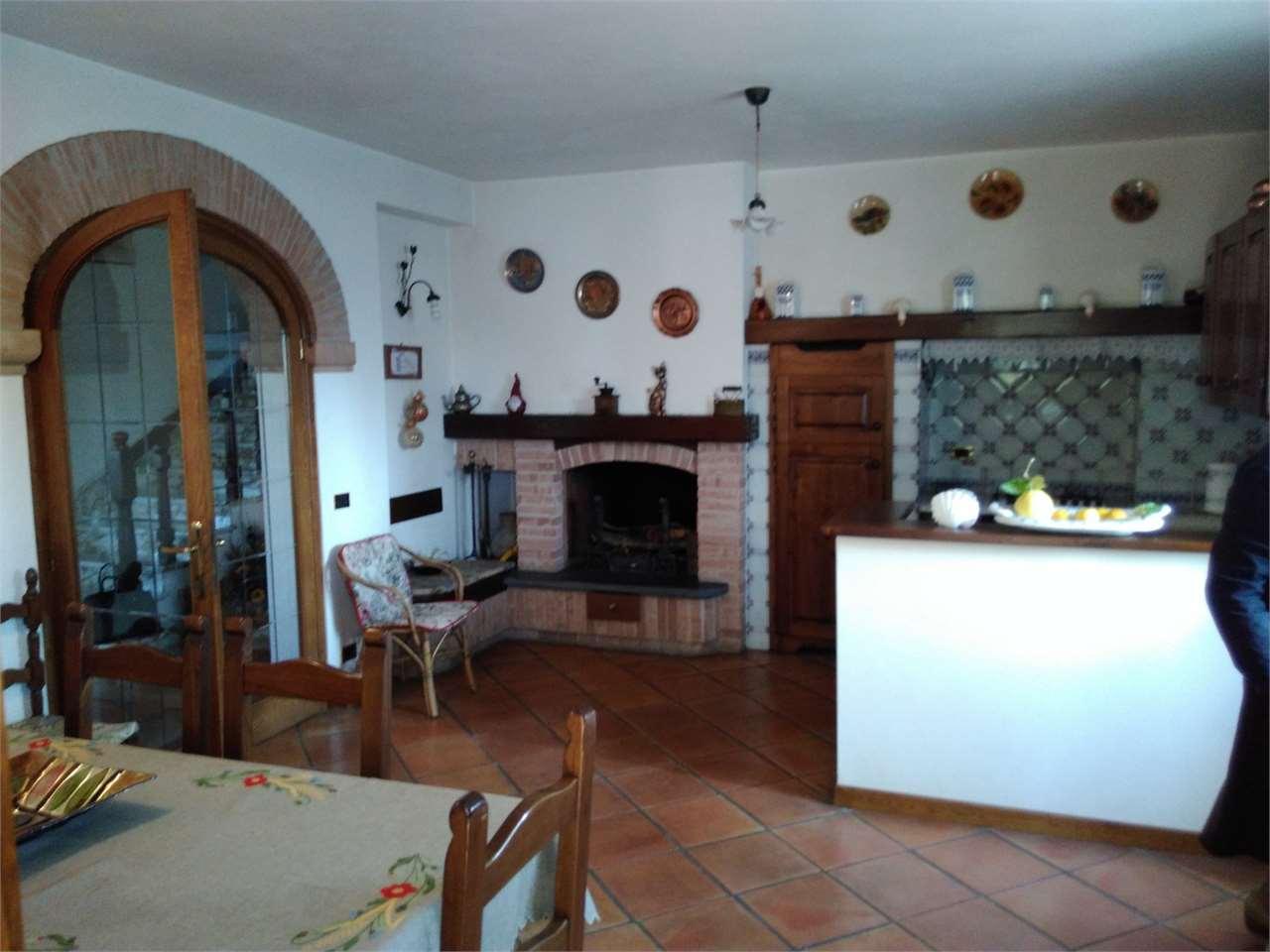 Villa singola in affitto a Cinquale, Montignoso (MS)