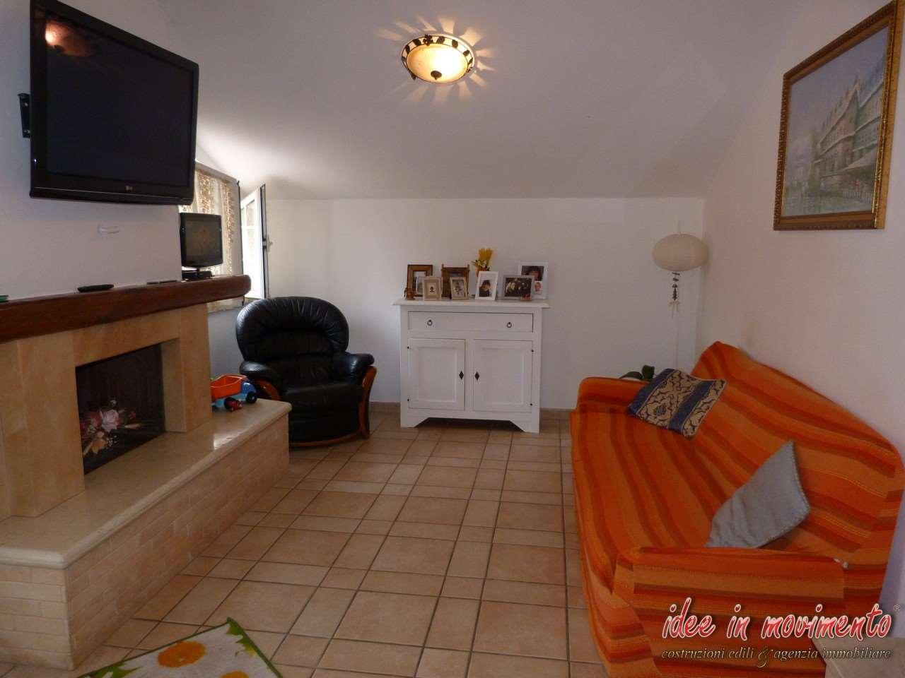 Casa semindipendente in vendita a Ricortola, Massa