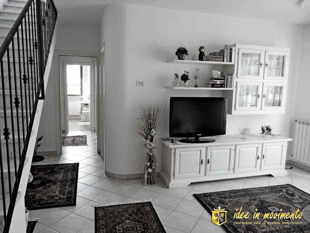 Appartamento in vendita a Quercioli, Massa