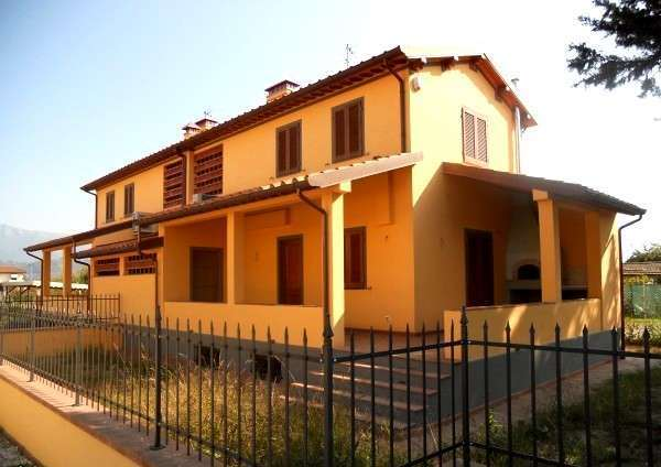 Villetta bifamiliare for sale in Camaiore (LU)