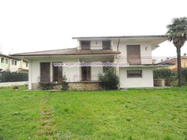 Villa singola in vendita a Montignoso (MS)
